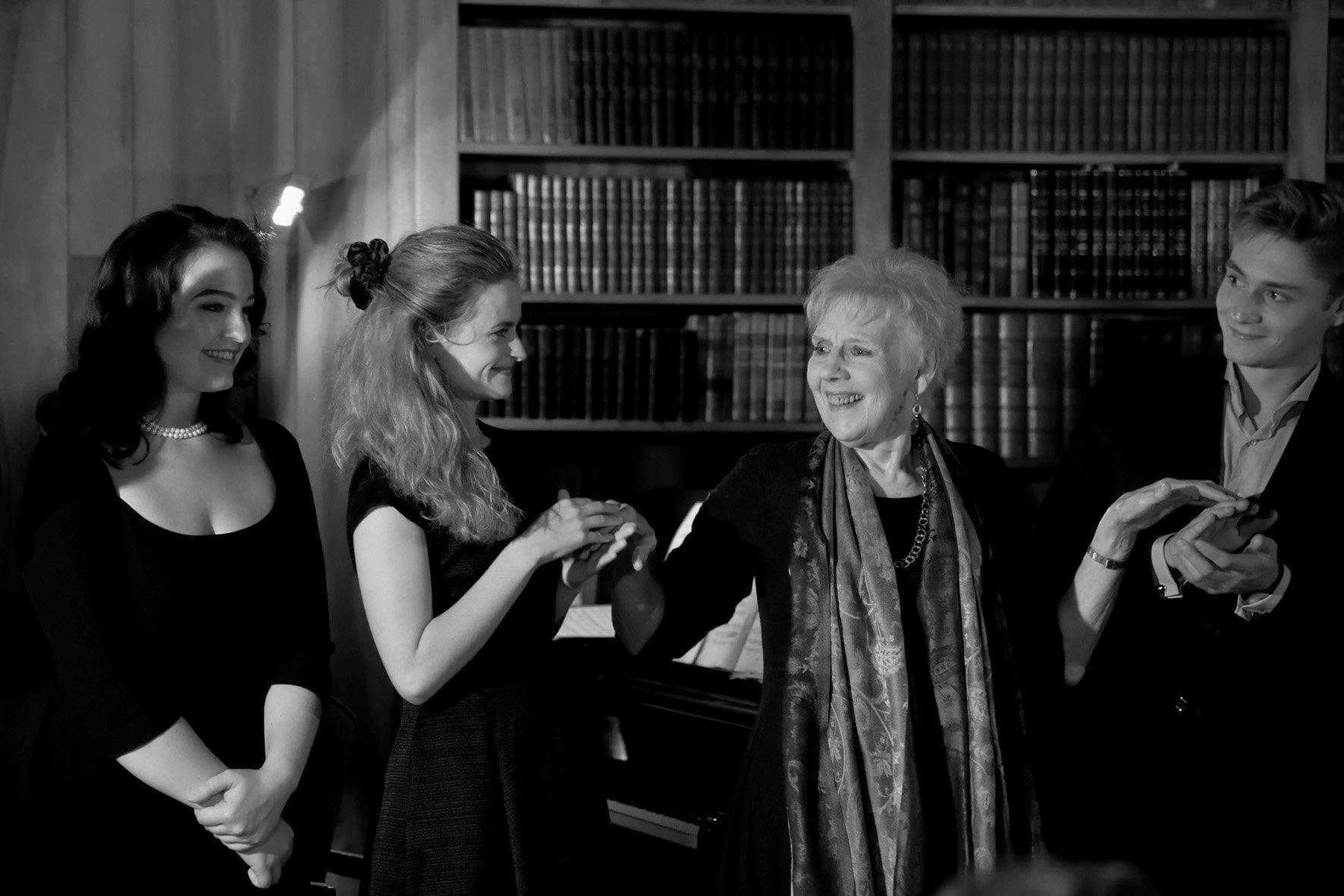 Anna Dugan, Caroline Jestaedt, Felicity Palmer, Louis de Lavignere par D. Laugé
